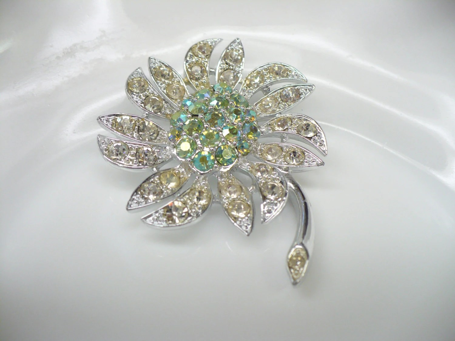 Vintage SARAH COVENTRY 'Mountain Flower' Brooch - ElegantiTesori