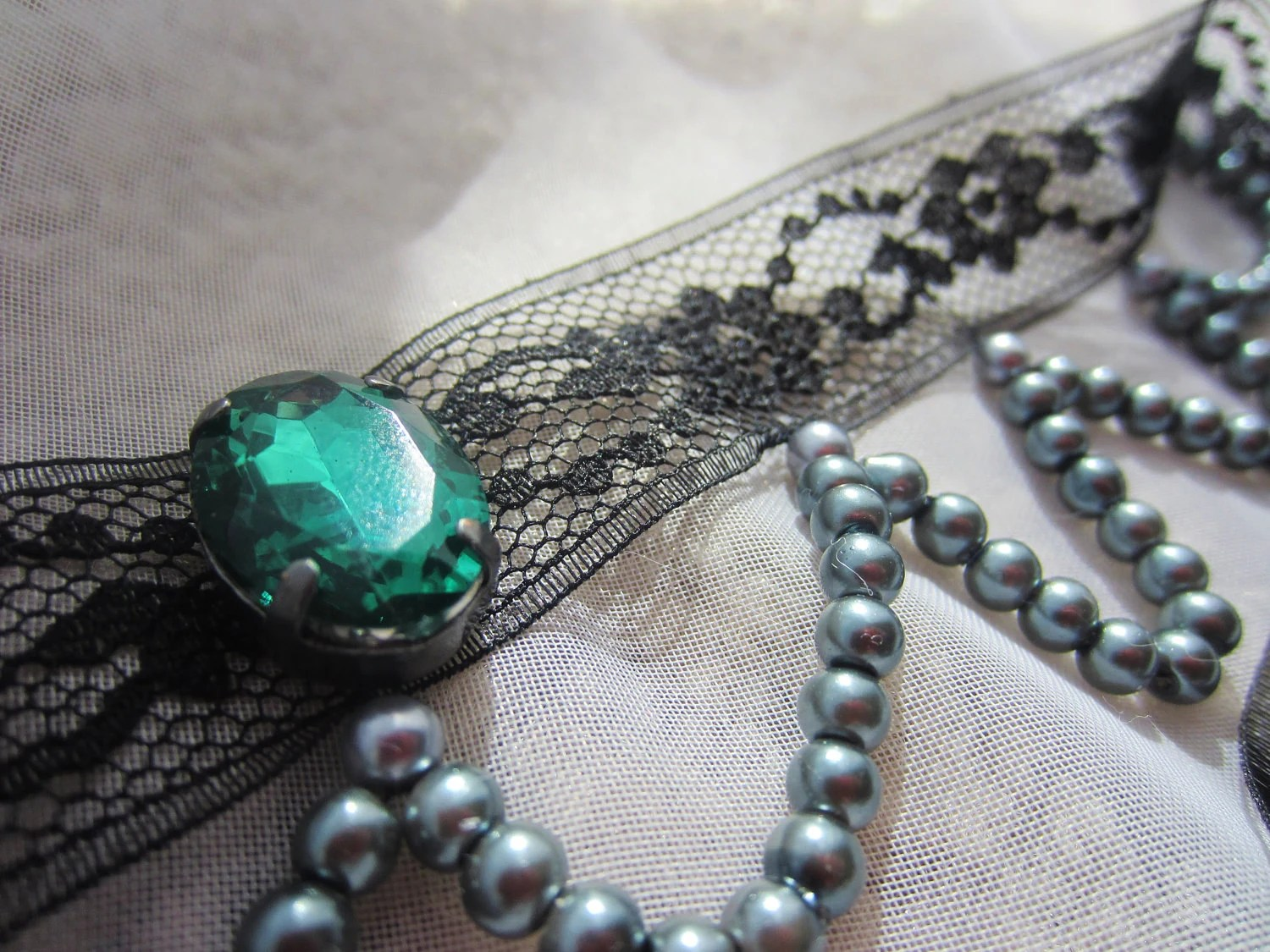 Choker: Mystic Emerald and Lace