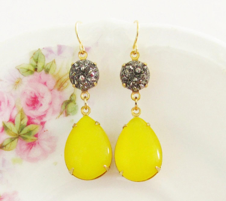 Vintage Lemon Yellow Moonstone Teardrop and Gray Textured Black Hematite Glamour Dangle Earrings - silverliningdecor