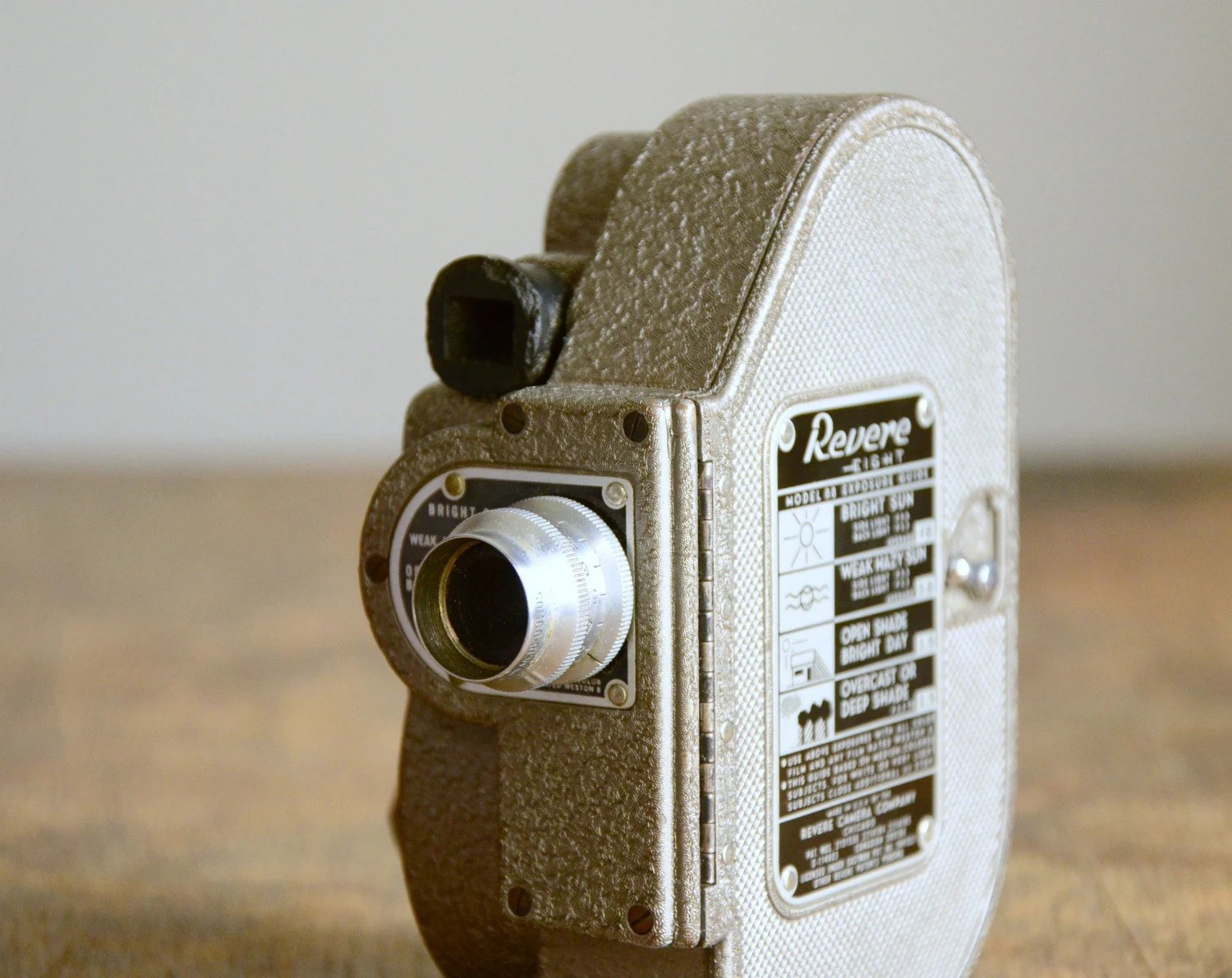 Vintage 8mm Movie Camera .. Revere Eight Model 88