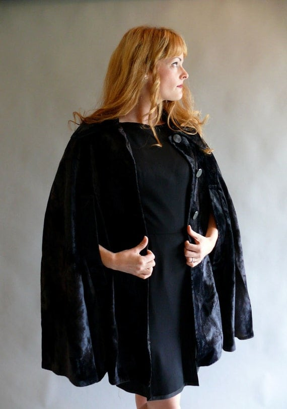 1960s cape // 60s black velvet cape // Black As Night