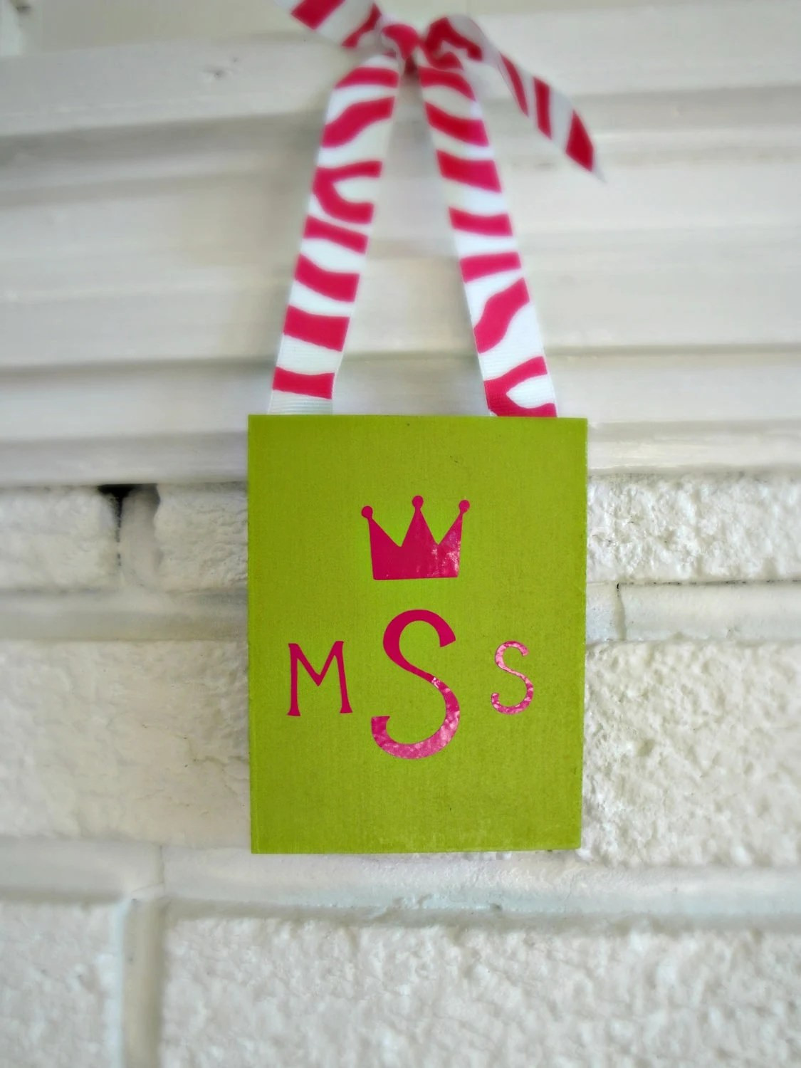 Personalized Initial Wall/Door Hanging for girl //// Gift //// Christmas //// Birthday
