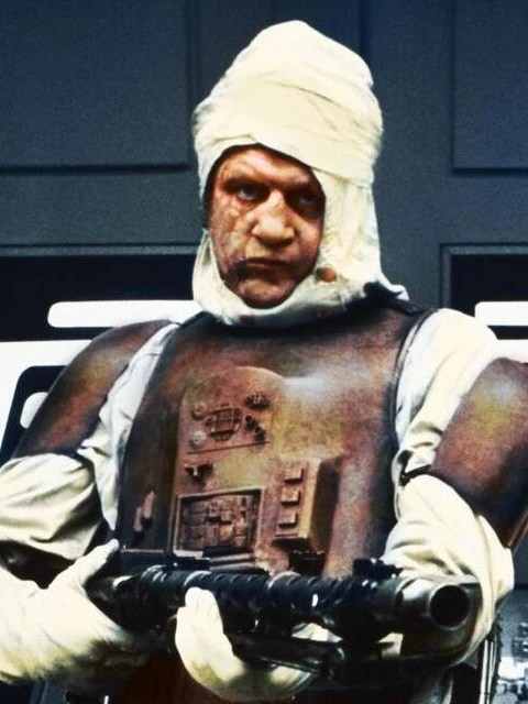 https://i2.wp.com/img4.wikia.nocookie.net/__cb20131106230409/starwars/images/9/98/Dengar-SWT.png