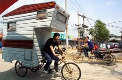 camperbikeed01537x356 - Camper bike, la bicicleta caravana y casa portatil mas eficiente