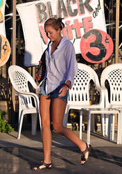 Miley Cyrus leggy in denim shorts at a Sushi restaurant in Studio City - Hot Celebs Home