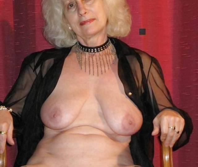 Women Fucking  Old Year Horny