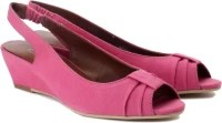 Enroute Women Buey Wedges: Sandal