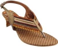 Metro Heels: Sandal
