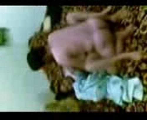 شرموطة مصرية تتناك الزبون ,احلي الارض تلعب الرجل