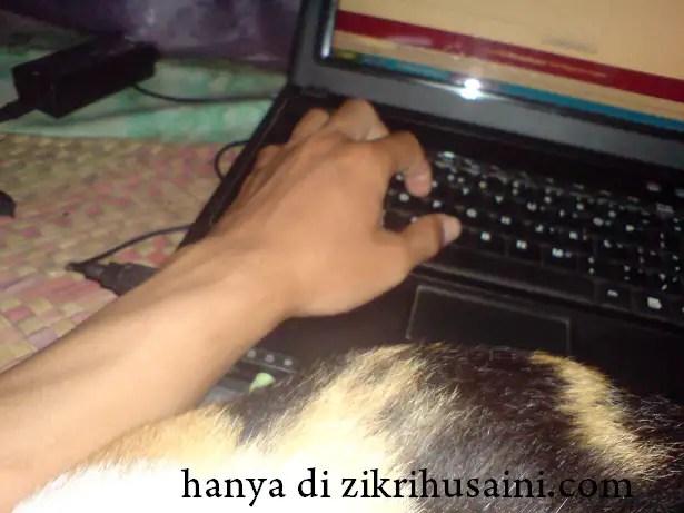 zikri husaini, bukan niatku, kucing nak blogging,