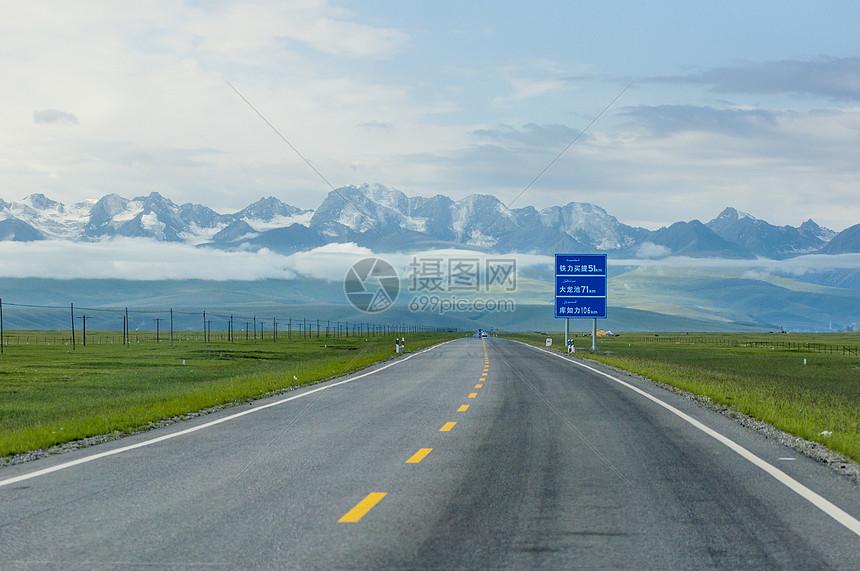 新疆獨庫公路高速路高清圖片下載-正版圖片500880599-攝圖網