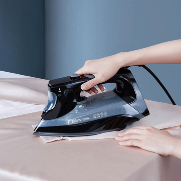Lofans Intelligent Steam Iron 220V 2000W High Power 340ml Water Capacity with LCD Screen and Smart Electronic Temperature Control from XIOAMI Youpin