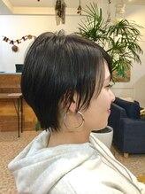 オーガニックヘアサロン ツリー(organic hair salon Tree)耳かけショートボブ