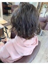 ヘアー アトリエ アンジー(Hair Atelier Angee)暗めな透け感のグレーアッシュ