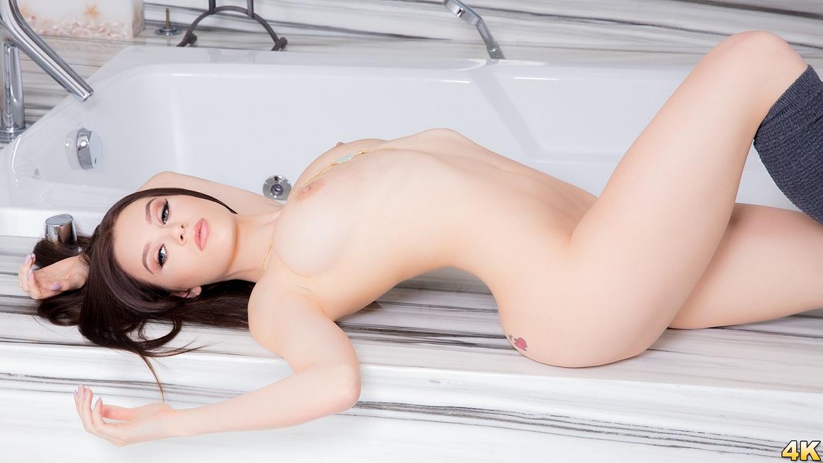 Lana Rhoades – 19 Year Old Natural Busty Teen Gets Covered In Cream (JulesJordan)