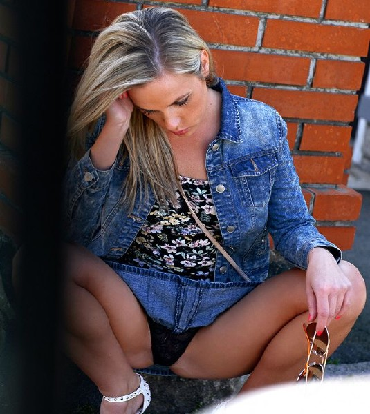 Vinna Reed – Pretty Blonde Takes Dick (StrandedTeens/Mofos)