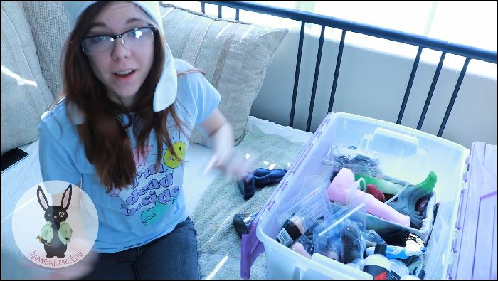Bunnie Hughes HOW TO CLEAN AND STORE BIG TOYS (manyvids)