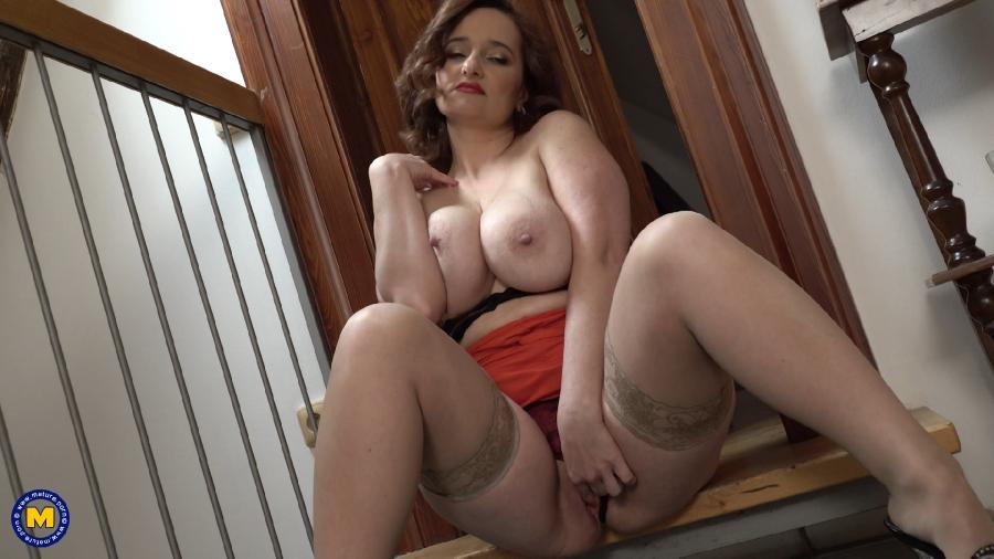 Ameli (43) – Amili is a big breasted classy Milf in public, but once at home she drops the act and becomes a horny nympho that loves to play with her wet pussy (Mature.nl)