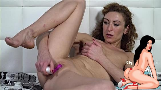 Julia North – Ladies With Toys (2020 AllOver30 1080p)