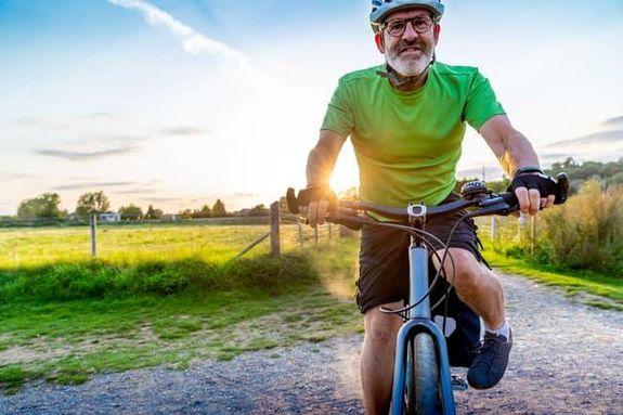4- تمرين قصير يمكن للتمارين القصيرة المتكررة أن تقلل دهون الجسم وتعزز اللياقة، فممارسة التمارين 6 دقائق قبل الوجبة قد تساعد
