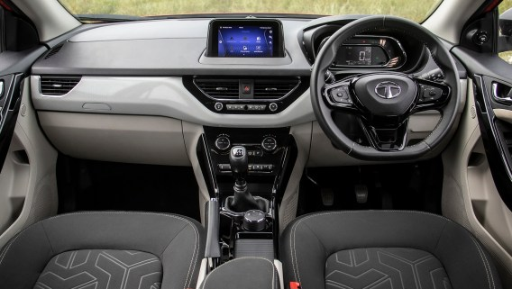 Tata Nexon XE Price in India - Features, Specs and Reviews - CarWale