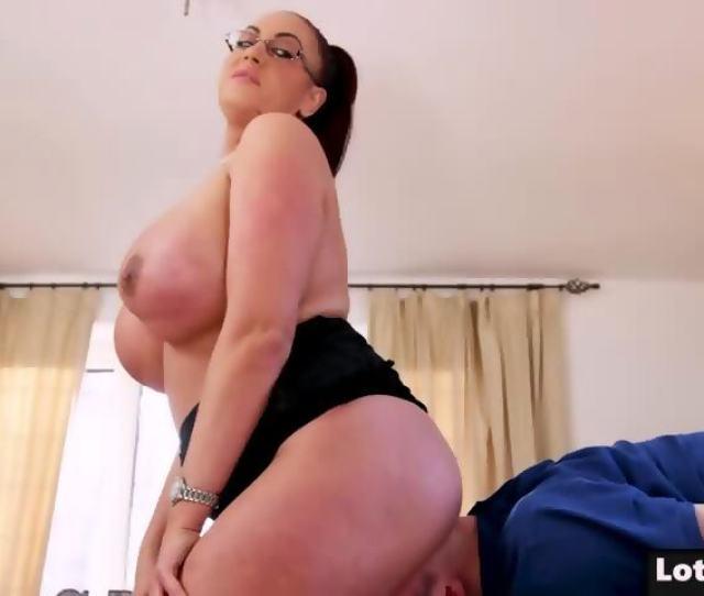 Fat Ass And Huge Tits Cougar Emma Butt Gets Massage Scene 5