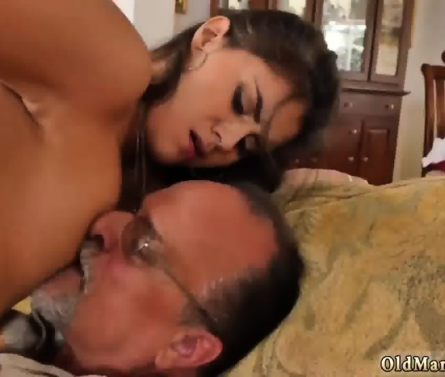 Old Man Fucks Young Girl Chill Out With A Hot Super Fucking Tamal Scene