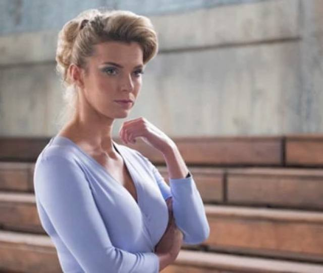 Glow Star Betty Gilpin On How The Show Changed Her