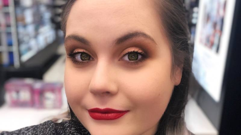 This Easy Holiday Party Makeup Look