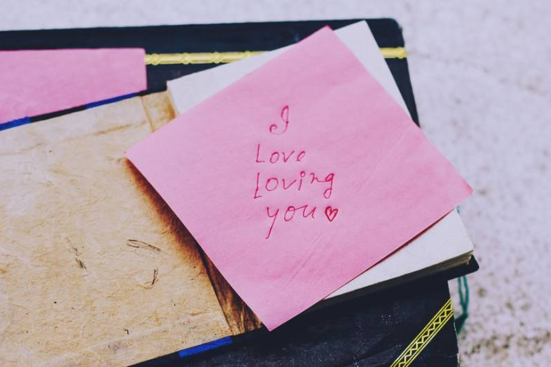 9 People Reveal The Cutest Love Letters Their Partners Have Written Them, &  Now I'm Crying