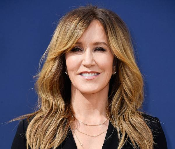 Felicity Huffman Reported To Prison For Her Role In The College Admissions Scandal