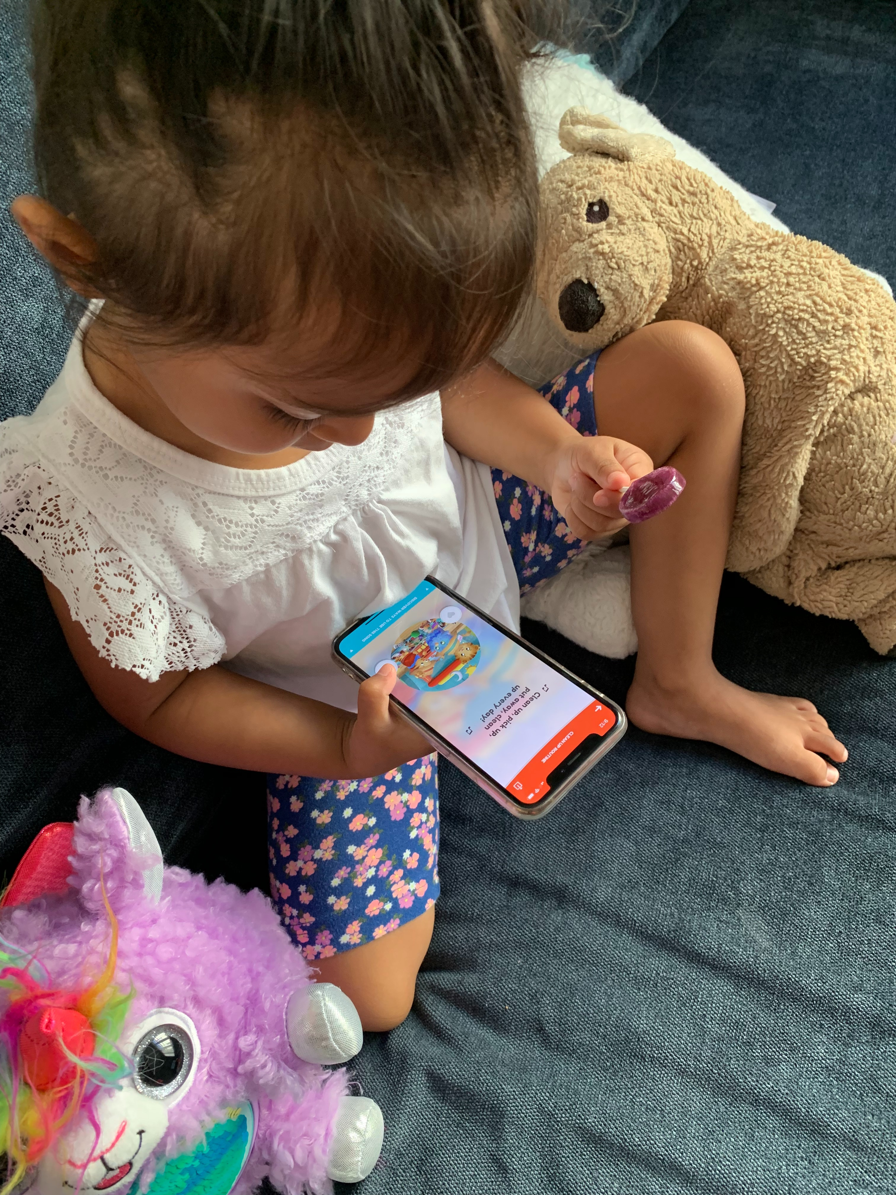 Mom Sues Pbs Over Daniel Tiger S Appalling Lack Of Pants