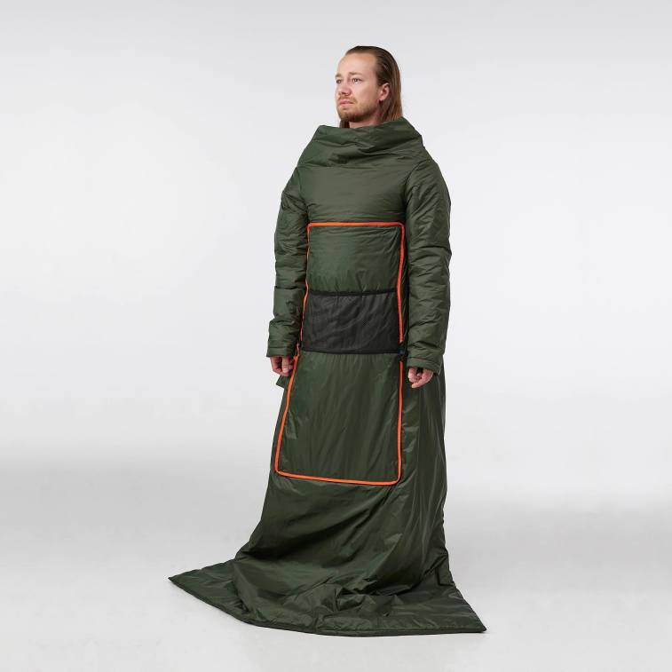 ridiculous wearable quilt turns into