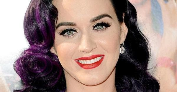 Female Singers Chart Toppers Of Billboard Hot 100