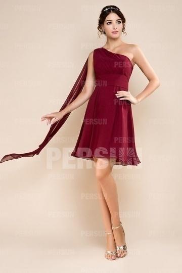 obe-demoiselle-dhonneur-rouge-courte-style-empire-et-asymetrique