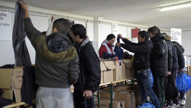 Korrupter Beamter verkaufte Asylbescheide! (Bild: APA/Hans Punz)