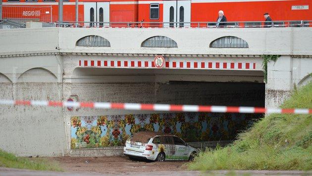 An dieser Bahnunterführung in Schwäbisch Gmünd starben zwei Menschen. (Bild: EPA)