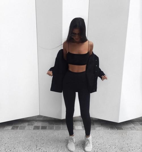 Tarsha-Whitmore-sexy-tights-4.md.jpg
