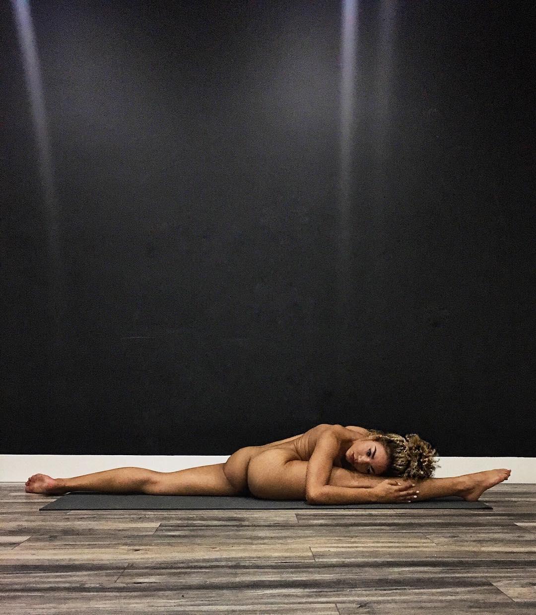 jess-taras-nude-yoga.jpg