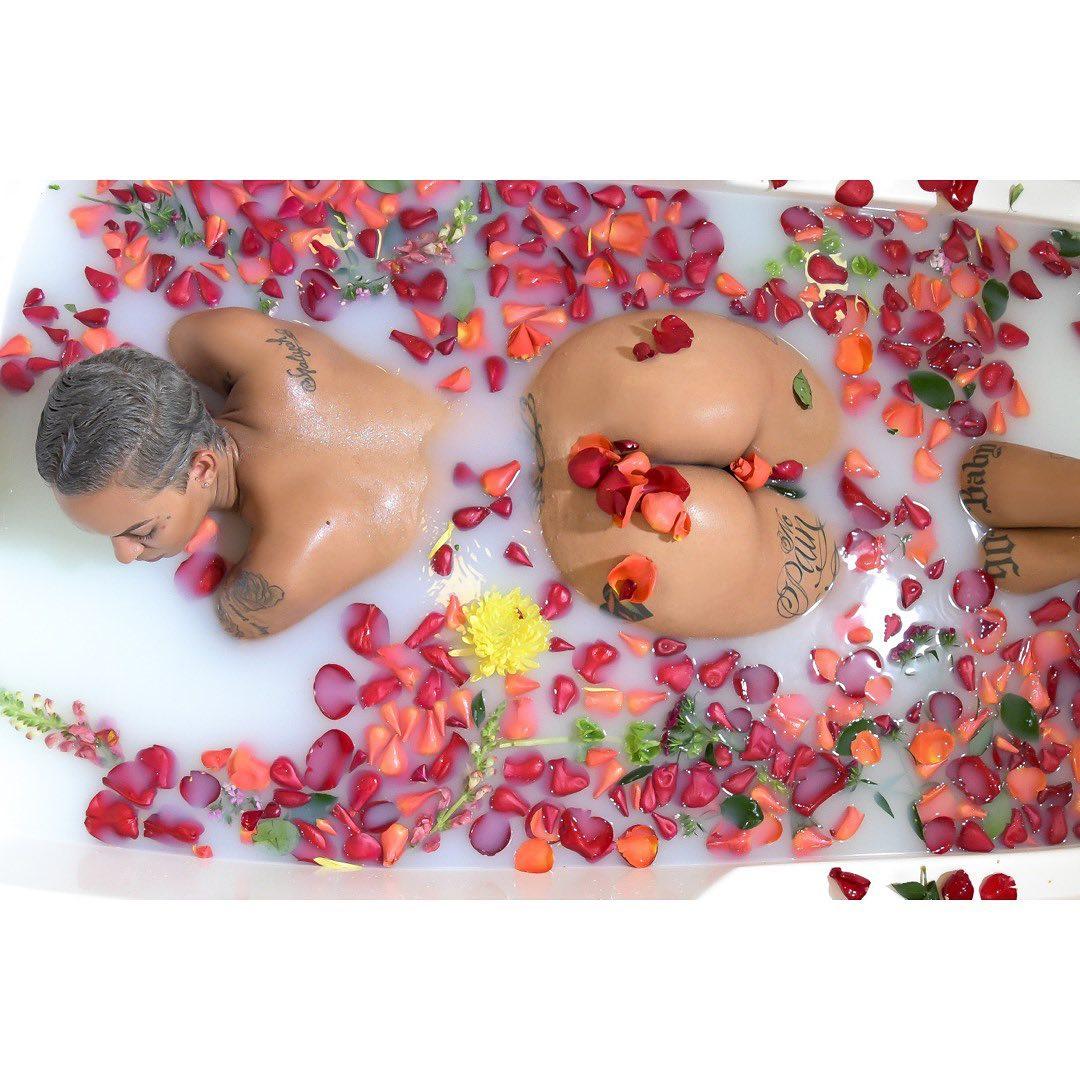 Sameen-Rose-nude-bath.jpg