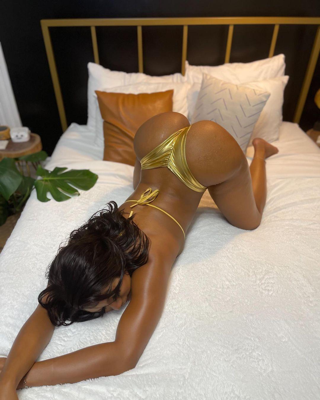 Saleema-Mansur-golden-ass.jpg