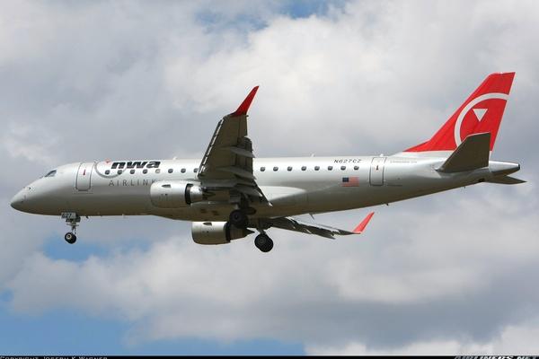 Bombardier Crj 200lr Cl 600 2b19 United Express Air