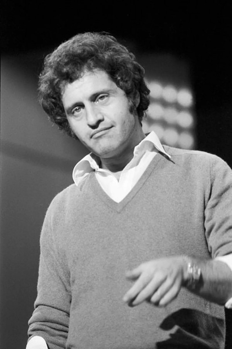 French songstress Joe Dassin is in Germany, circa 1970. Photo: Getty Images