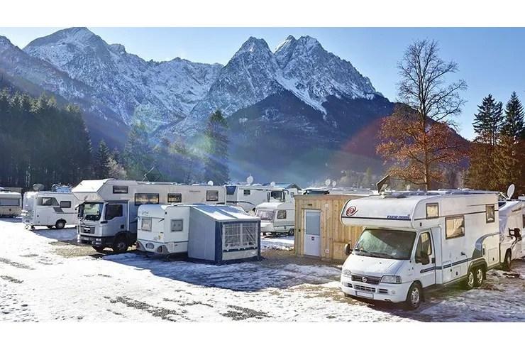Die besten Campingplätze für Skifahrer und Wintercamper