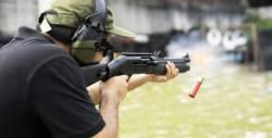 Обучение по стрелба с пушка-помпа, автомат AK-47 и пистолет Glock, плюс състезателно стреляне с 65 броя амуниции - на 8 Май