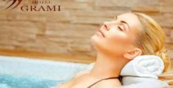 """130 минути терапия """"Богиня Касиопея"""" - масаж на цяло тяло и лице, маска, джакузи и парна баня, плюс бонбони и вино"""