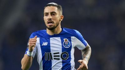Transfer News; Alex Telles joins Manchester United