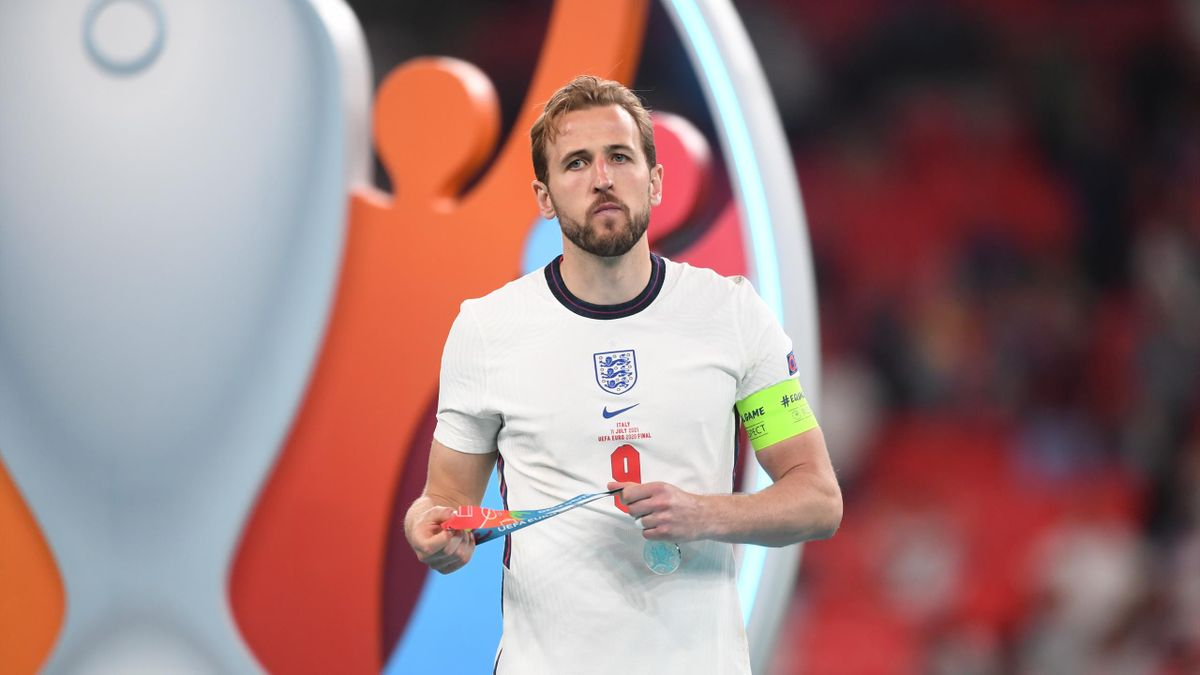 Transfer news - Harry Kane's England team-mates think the striker might  refuse to report for pre-season to force move - Eurosport