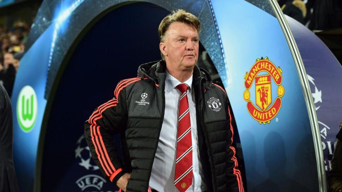 Louis van Gaal has six games to stave off Man Utd mutiny - Eurosport