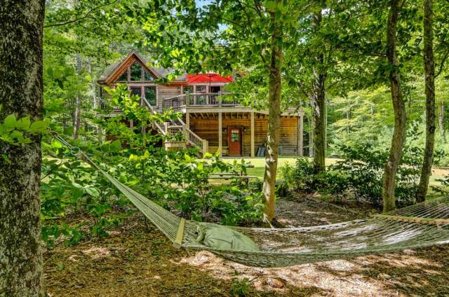 Win This Gorgeous Catskills Cabin With a 200 Word Essay